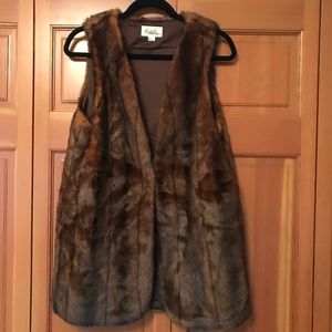 Forever 21 - Brown Faux Fur Vest - Size Medium
